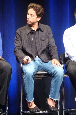 Sergey Brin con Fivefingers