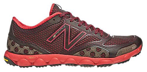 Zapatillas intermedias de trail New Balance MT1010